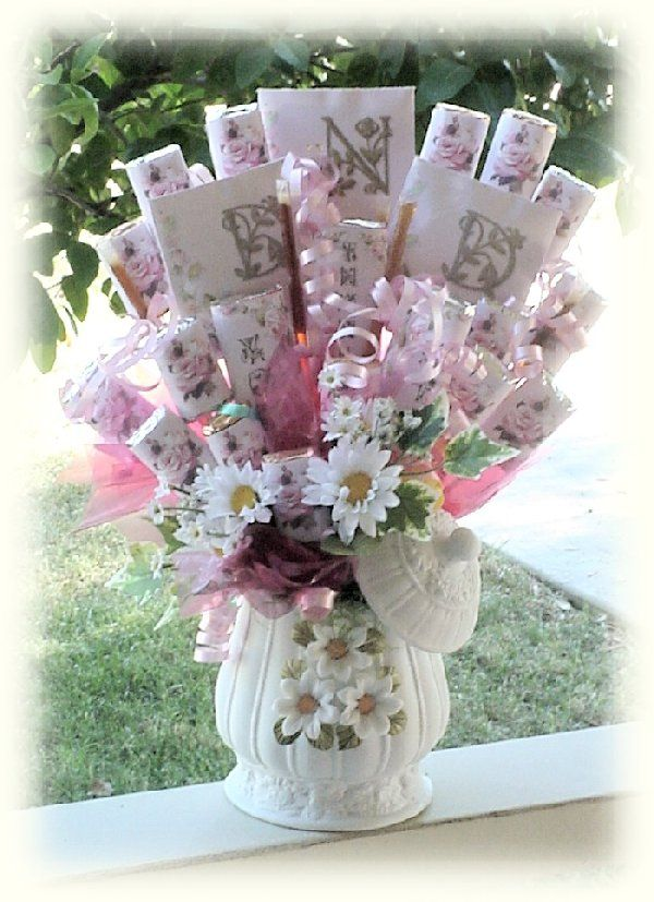 Beautiful Candy Bouquet For A Lady Candy Bouquets Pinterest