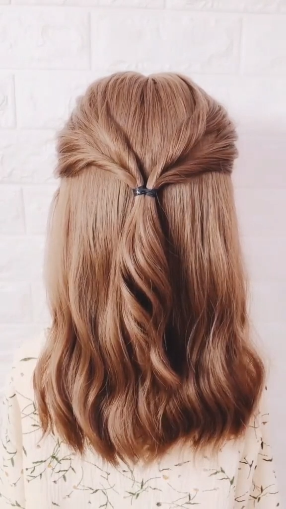 Do you wear skirts today? Try this hairstyle princess hairstyles for prom -   21 hair Updos videos ideas