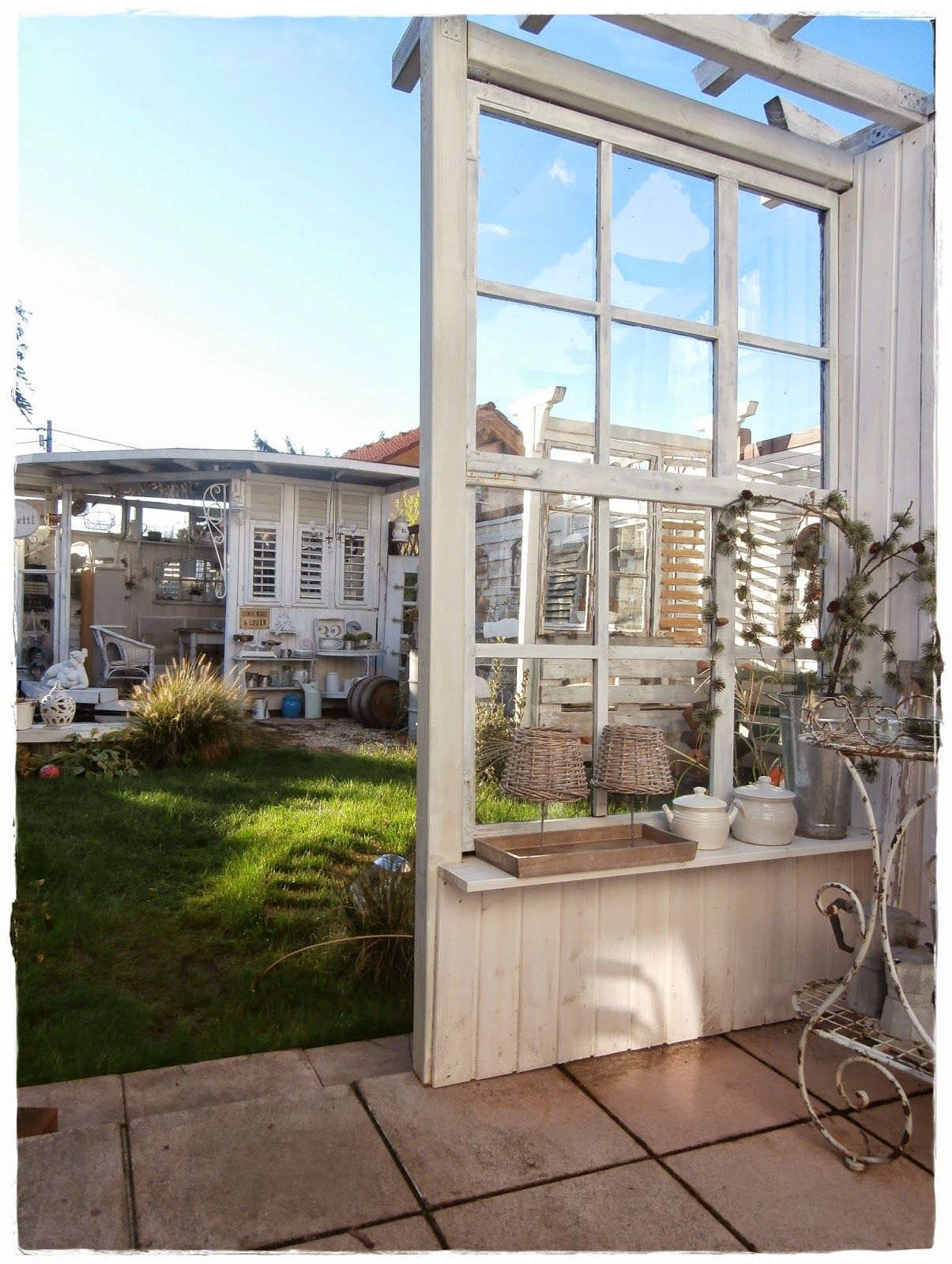 shabby landhaus alte fenster glash user pinterest shabby verandas and gardens. Black Bedroom Furniture Sets. Home Design Ideas