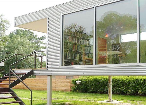 Casas de chapas de zinc buscar con google casa for Revestimiento exterior zinc