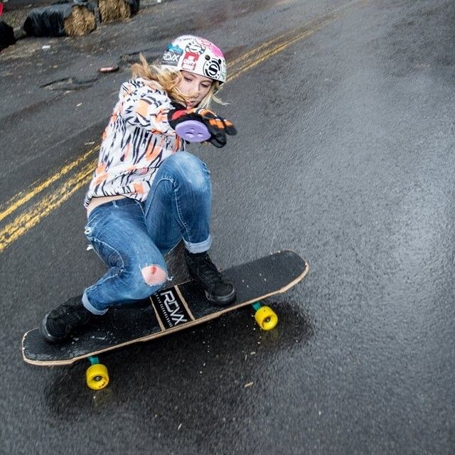 Moderne Original Skateboards Team Rider, Lily Parla, throwing down in the BR-93