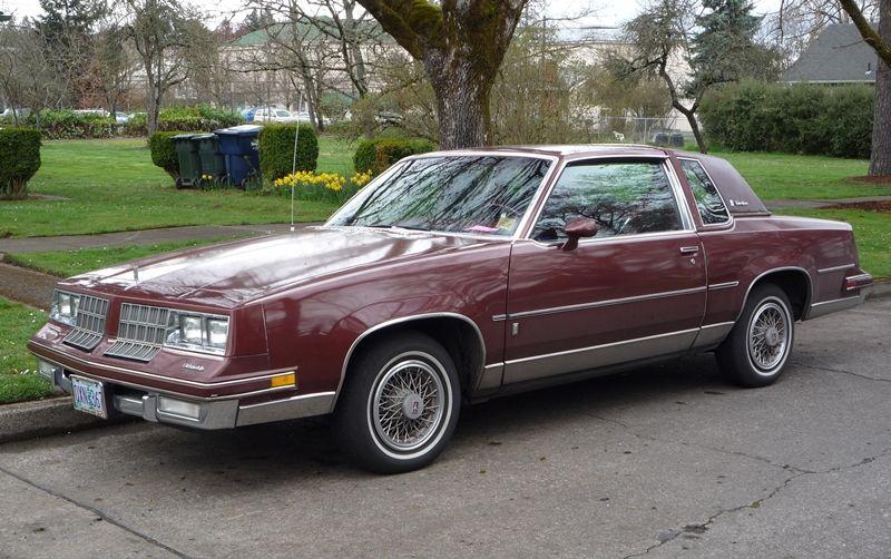 I Had A 1984 Cutlass Supreme It Was Silver With A Blue Landau Top Beautiful Car Oldsmobile Cutlass Supreme Oldsmobile Oldsmobile Cutlass