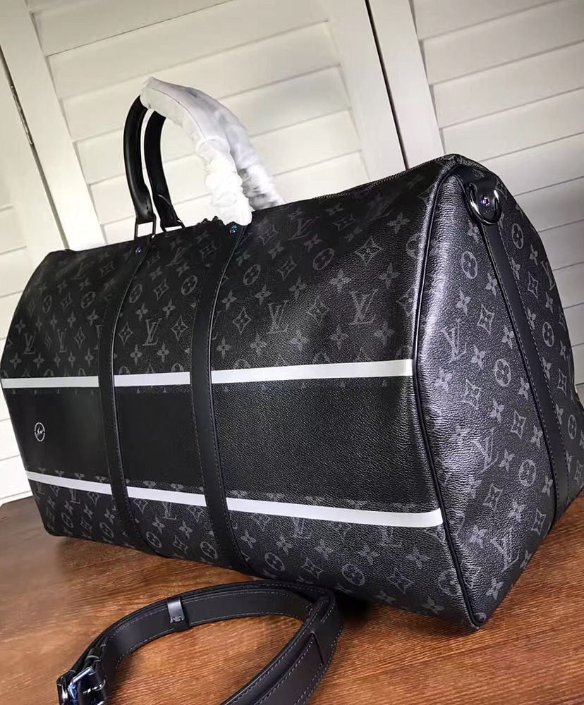 00bc87c2f1a3 Louis Vuitton Keepall 55 Bandouliere M43414 Black  lv  lvbags  lvhandbags   Keepall  Bandouliere  monogram  travelbags  tote  new  style  handbags   purse ...