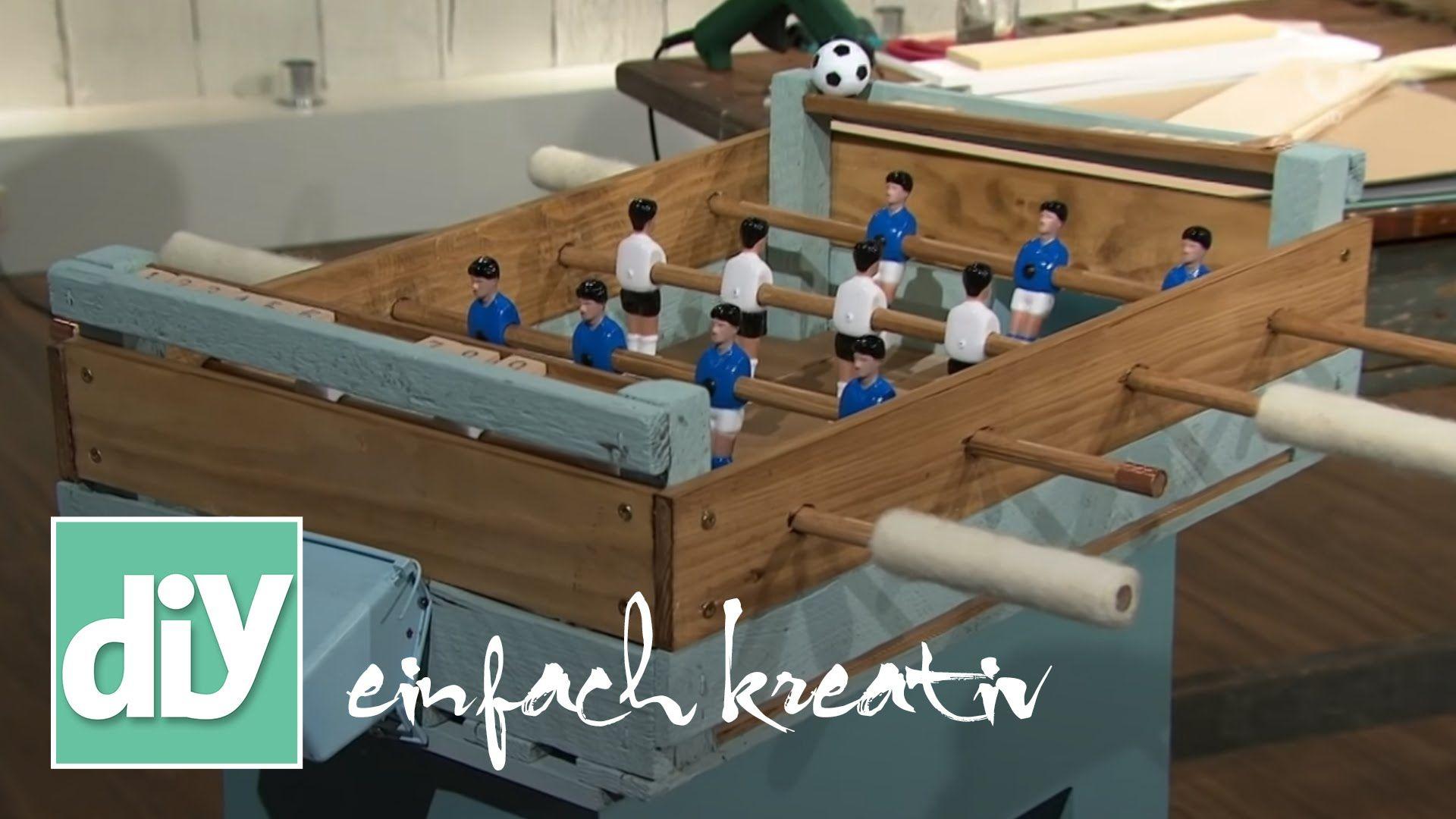 diy idee tischkicker aus holz ideen aus holz i tischfussball i upcycling i ideen aus kisten i. Black Bedroom Furniture Sets. Home Design Ideas