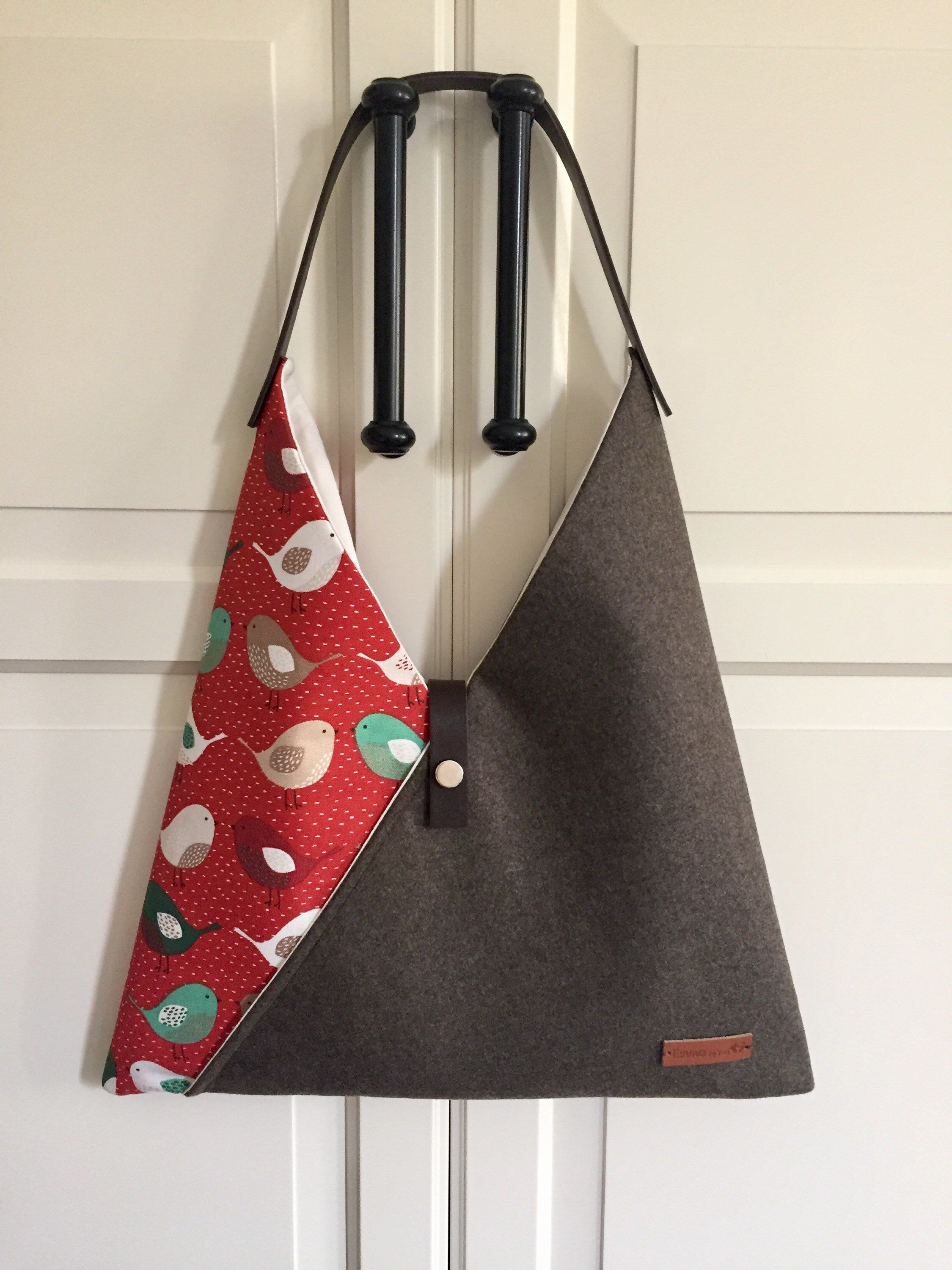 Triangular Zipper BagHandmadeMade With Vintage Fabric