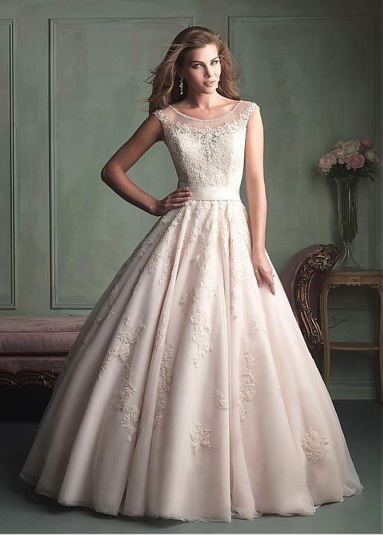 Amazing Glamorous Tulle Ball Gown Scoop Neckline Natural Waistline Wedding Dress Ivory White Lace Bridal Handmade
