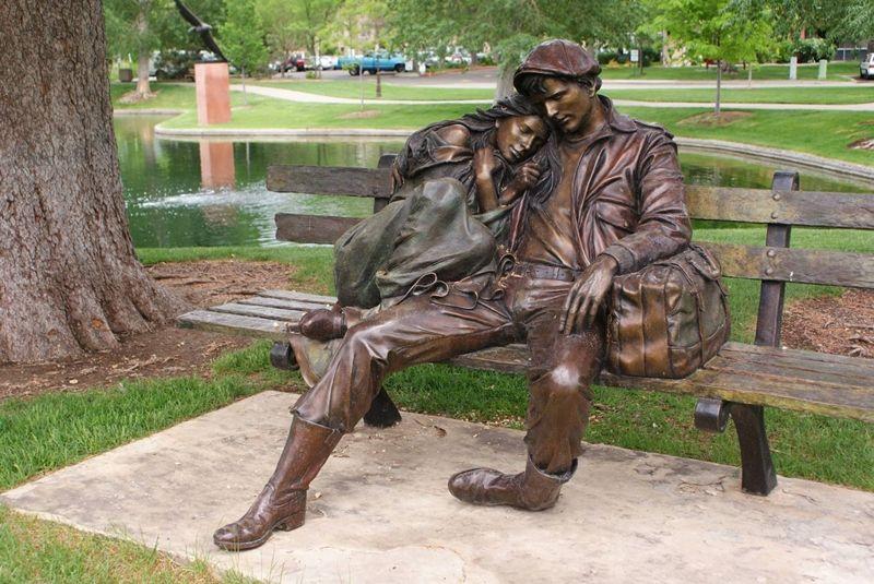 George Lundeen 1948 | American Figurative sculptor | Tutt'Art@ | Pittura * Scultura * Poesia * Musica |