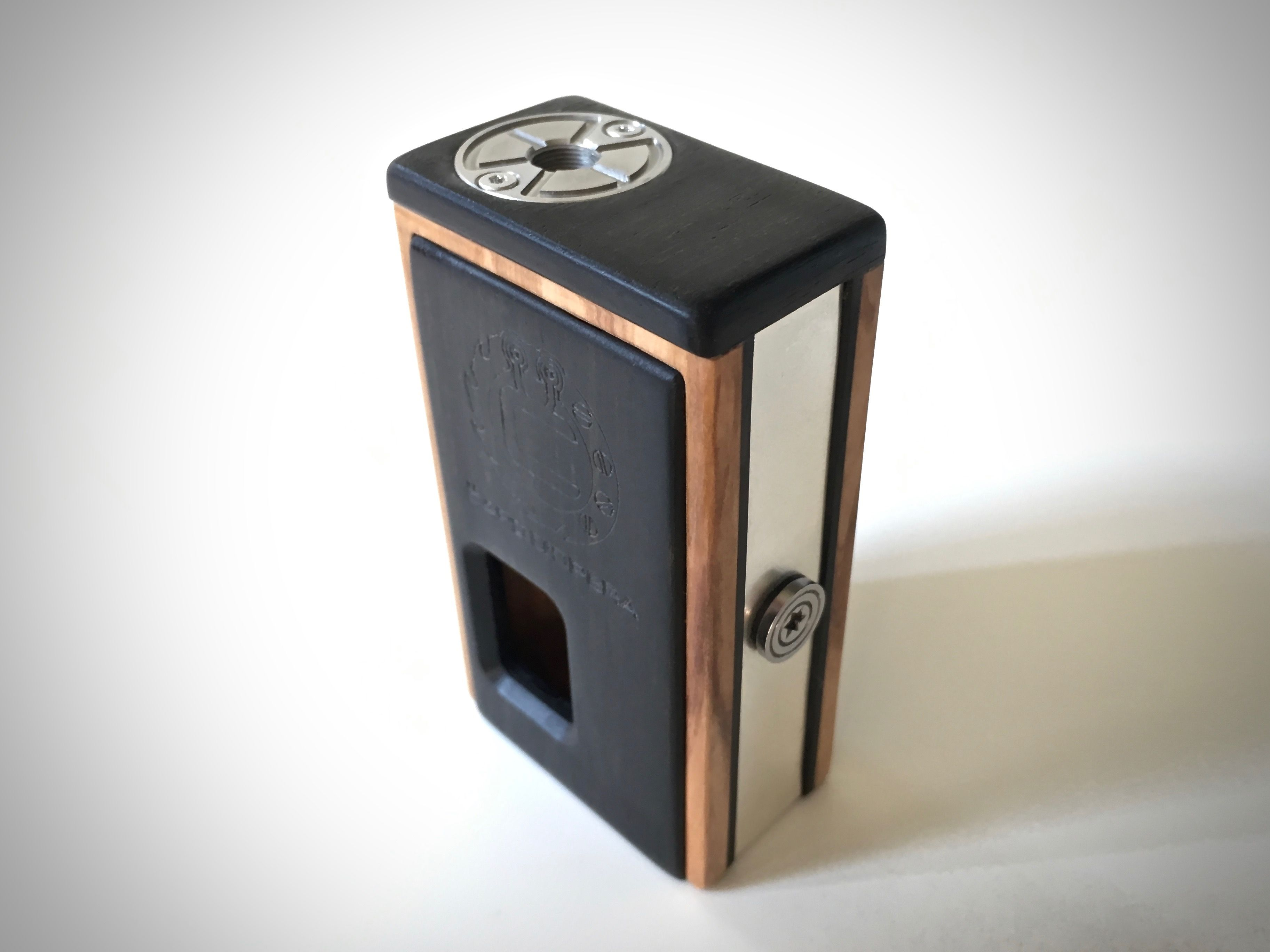 Pompidoù #Hand made wooden Box Mod by #Capo d\'Opera Mod #vapers ...