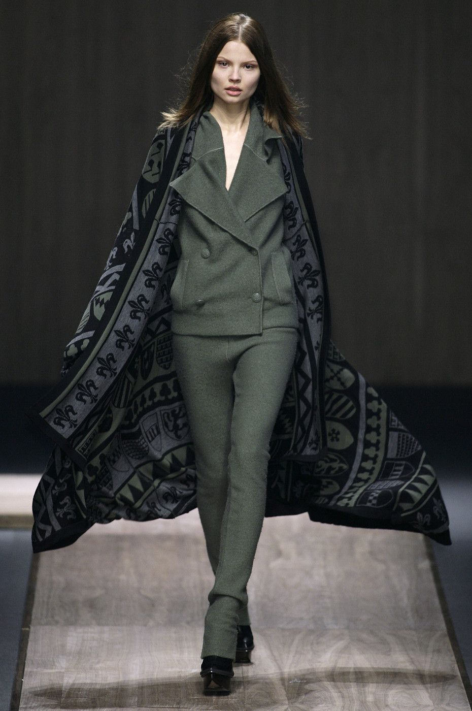 Stella+McCartney+Fall+2008+Cg3wH6a7oWMx.jpg (930×1400)