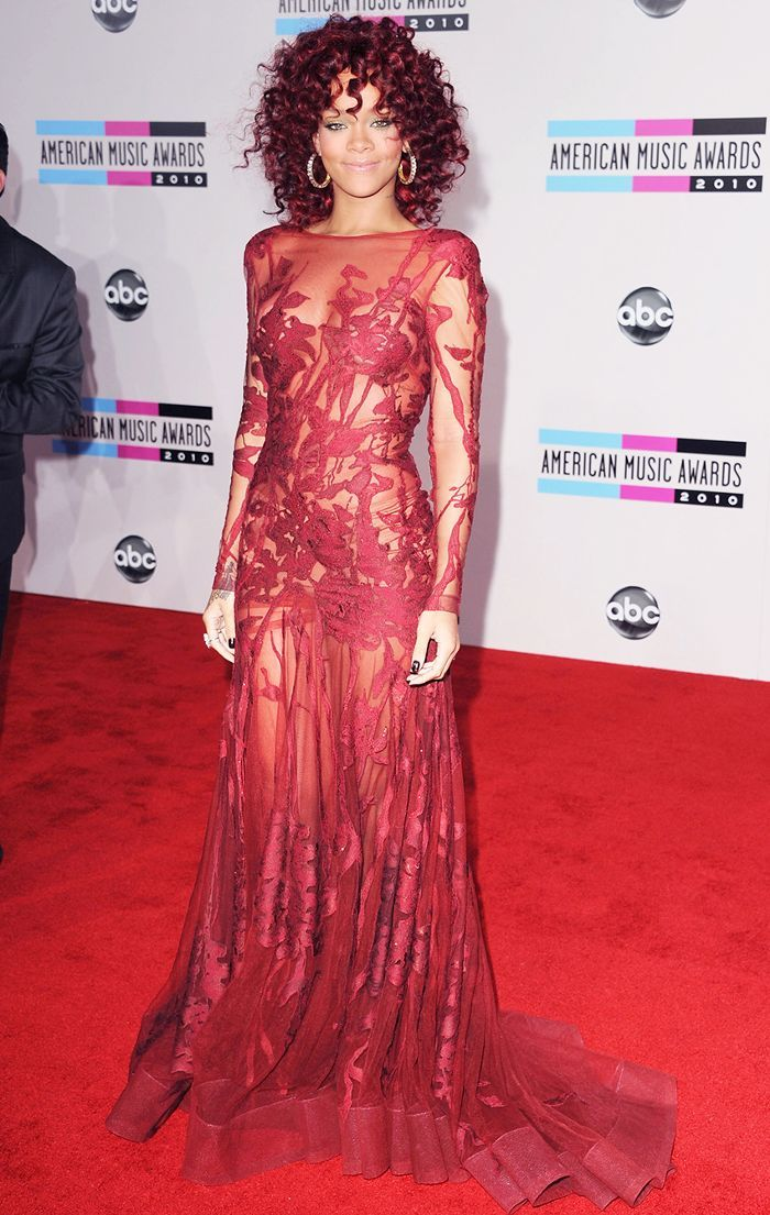 Rihanna's Most Iconic Looks Of All Time | Rihanna style ...