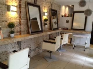 Decoraci n de salones de belleza hairsalon pinterest - Ideas para decorar una peluqueria ...