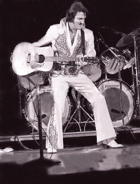Elvis Milwaukee 4-27-1977