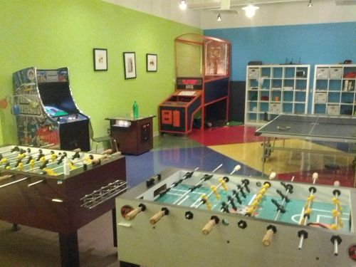 Get Your Game On In This Awesome Office Breakroom Office Lounge