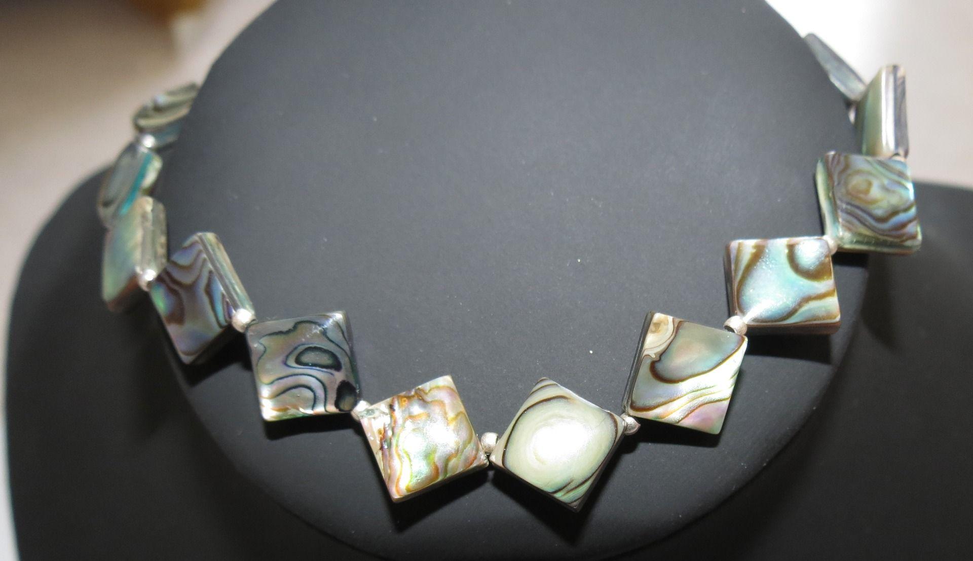 """Joli bracelet nacre """"Mère des dragons"""" : Bracelet par perlescence"""