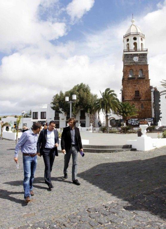 El Cabildo y Teguise dan prioridad al proyecto de de Estación de Bombeo de Aguas depuradas - http://canariasday.es/2013/03/20/el-cabildo-y-teguise-dan-prioridad-al-proyecto-de-de-estacion-de-bombeo-de-aguas-depuradas/