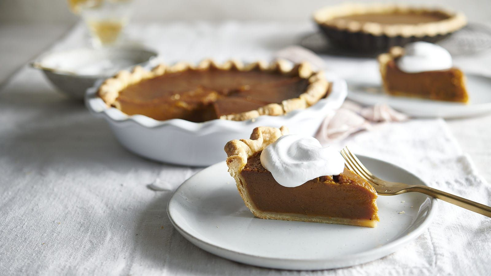 Silky Smooth Pumpkin Pie Can Be Made Without Eggs Or Dairy This Version Uses Condensed Coconut Milk Ins In 2020 Coconut Pie Recipe Vegan Pumpkin Sweet Potato Toppings