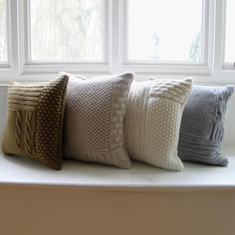 Knit pillows would look really good on a couch. | almohadones ...