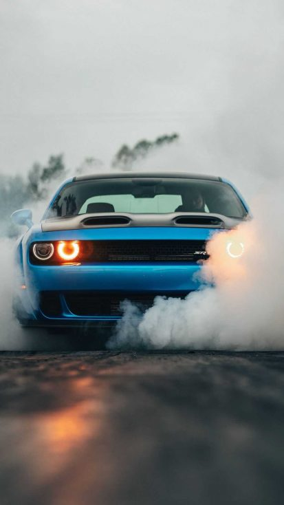 Dodge Challenger Srt Burnout Iphone Wallpapers In 2020 Dodge Challenger Srt Dodge Challenger Srt Hellcat Challenger Srt