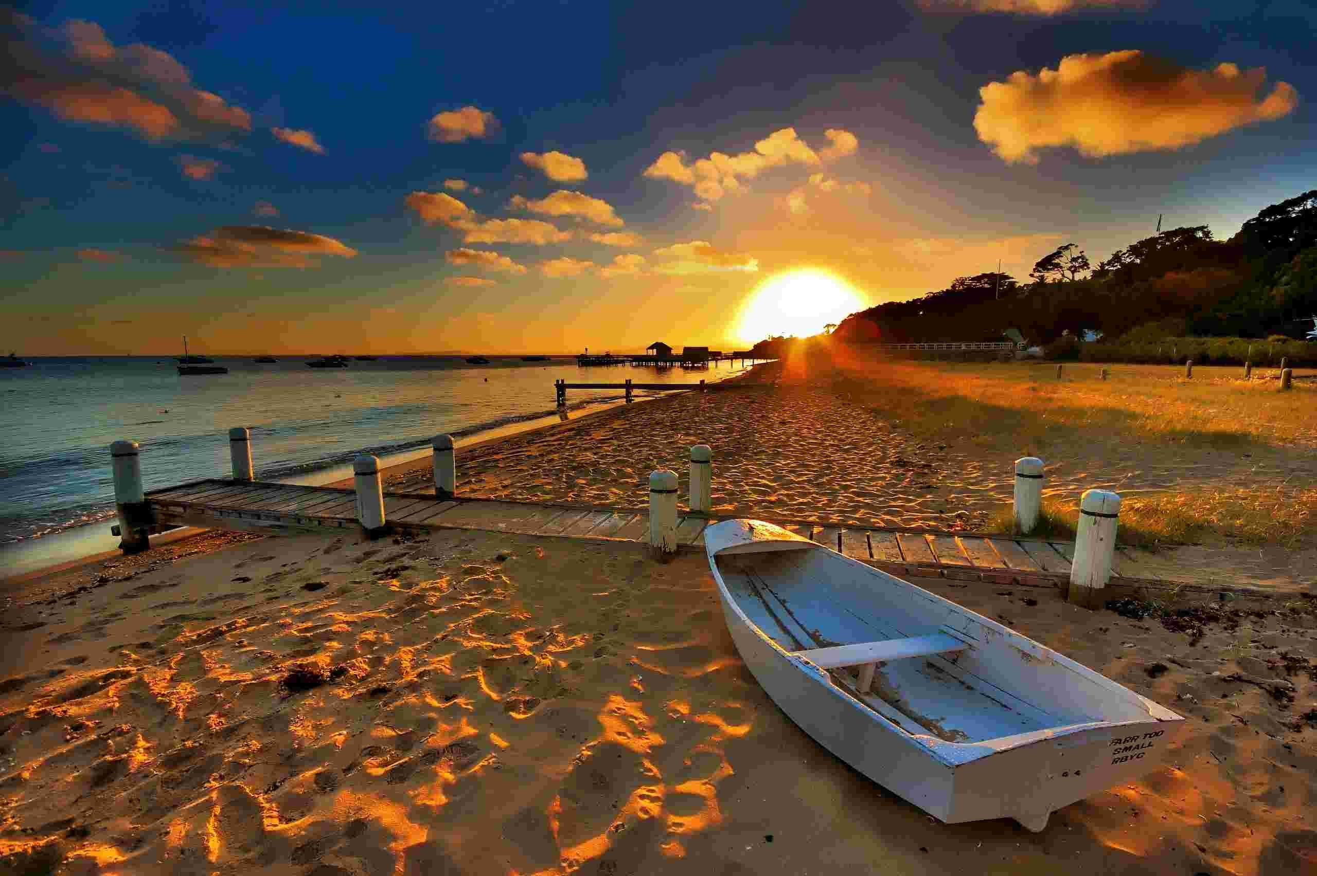 Boats On The Beach - Beach Wallpaper Australia Beach Wallpapers
