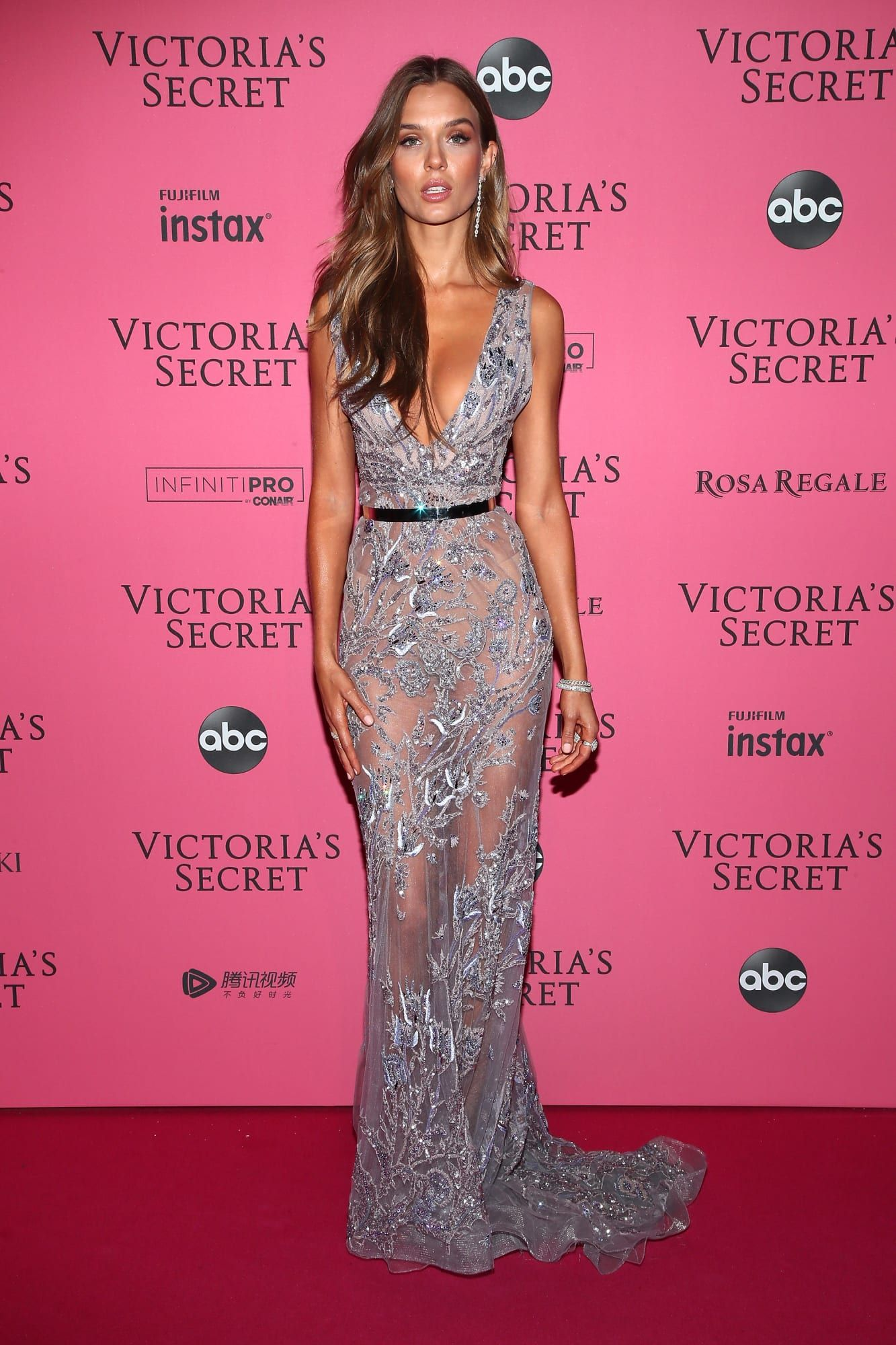 27b074fe7e3a4 See What Everyone Wore to the 2018 Victoria's Secret Fashion Show ...