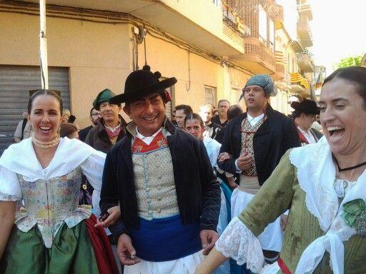 Dansà del 9 d'octubre - acto multitudinario previo a las fiestas de Moroy y Cristianos
