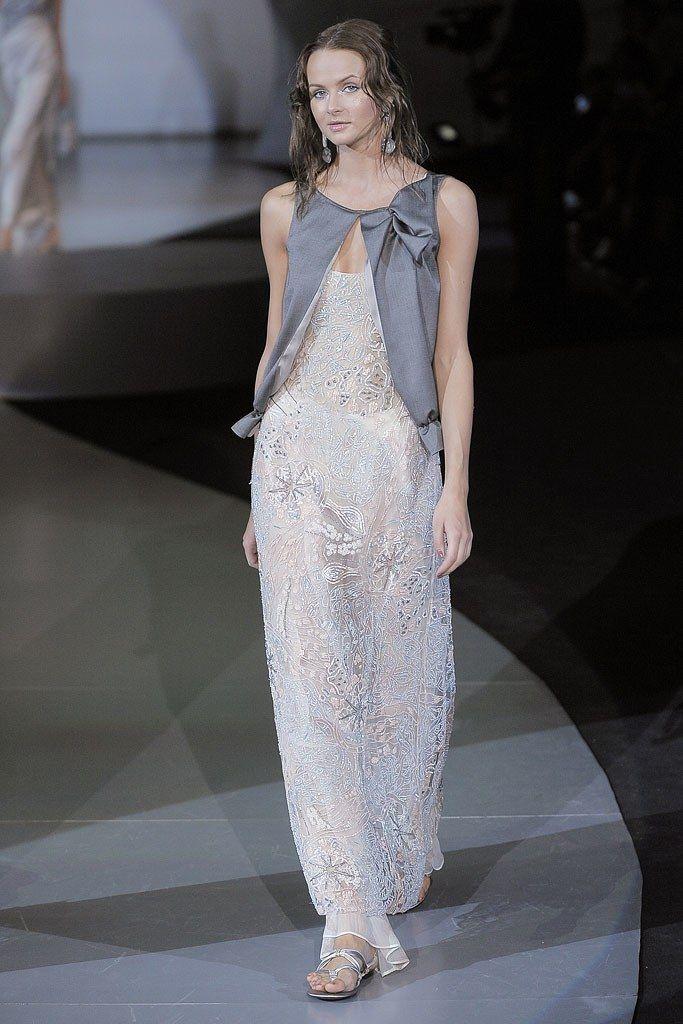 Giorgio Armani Spring 2009 Ready-to-Wear Fashion Show - Anna Filaseva
