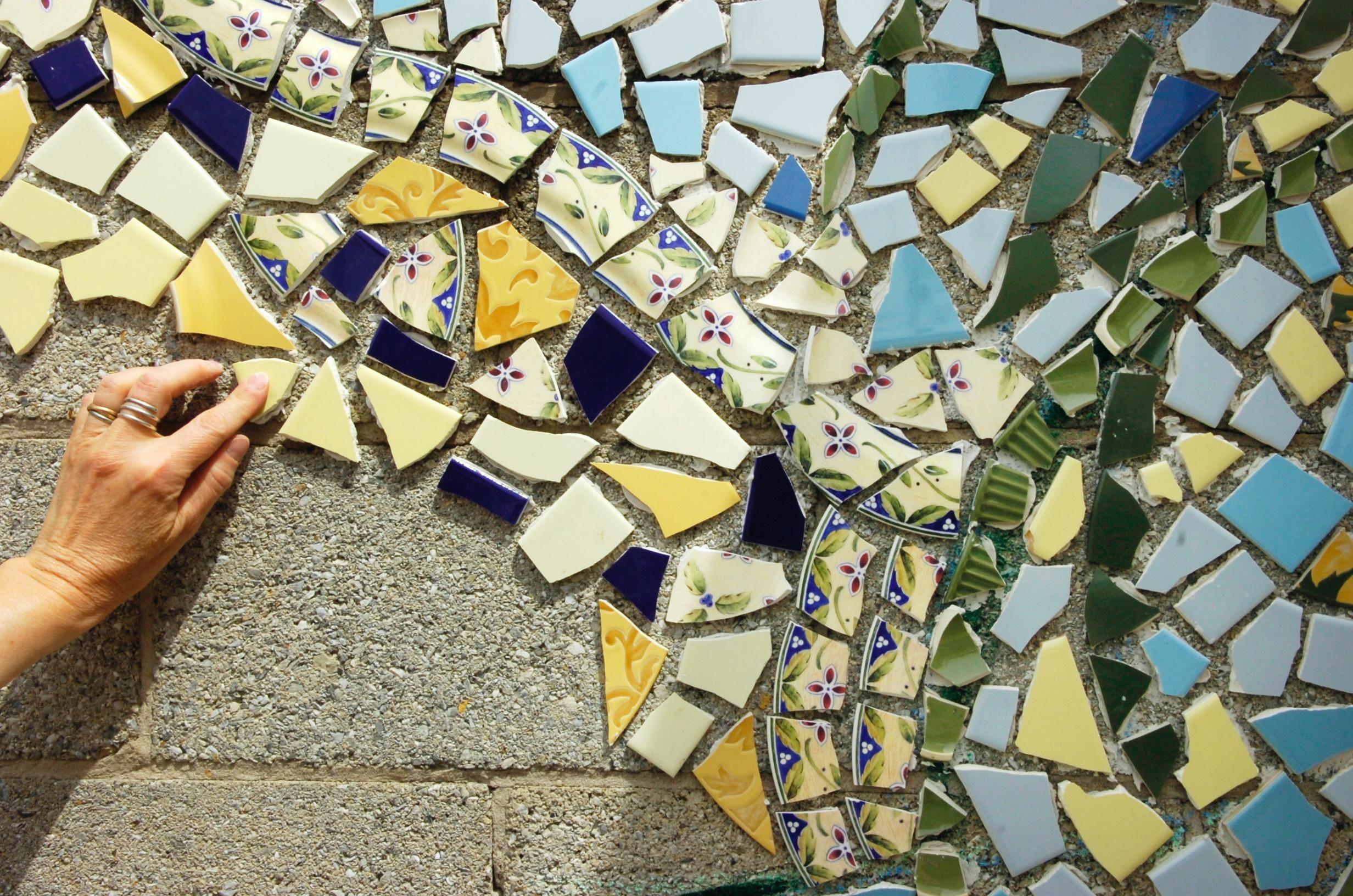 Cinderblocks Get Colorful Makeover Cinder Block Walls Outdoor Wall Art Concrete Block Walls