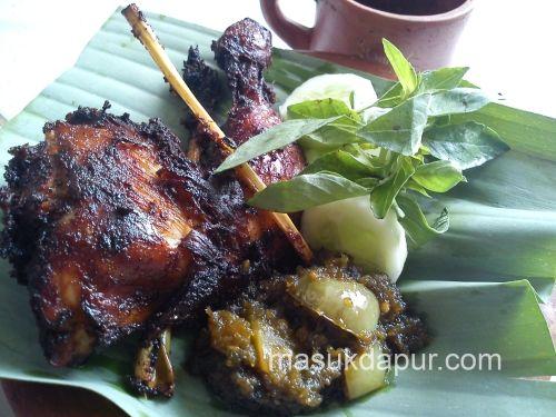 Hasil Gambar Untuk Ayam Goreng Kluwek Ayam Goreng Ayam Bali Indonesia