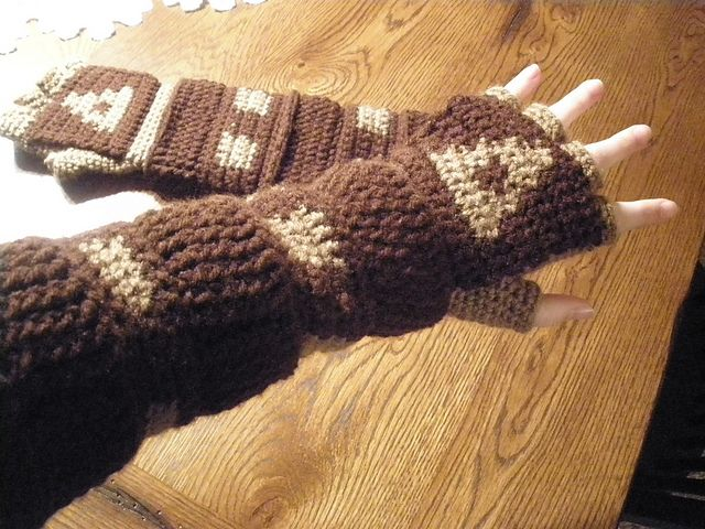 Ravelry: Link's Gauntlets (Crochet) pattern by Emily Hastings