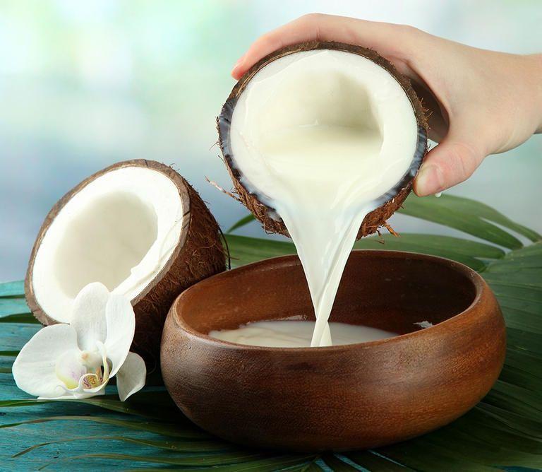 تعرفي على فوائد حليب جوز الهند لصحة وجمال شعرك الإمارات نيوز يستخرج حليب جوز الهند عادة من ثم Coconut Milk Health Benefits Coconut Milk Benefits Milk Health