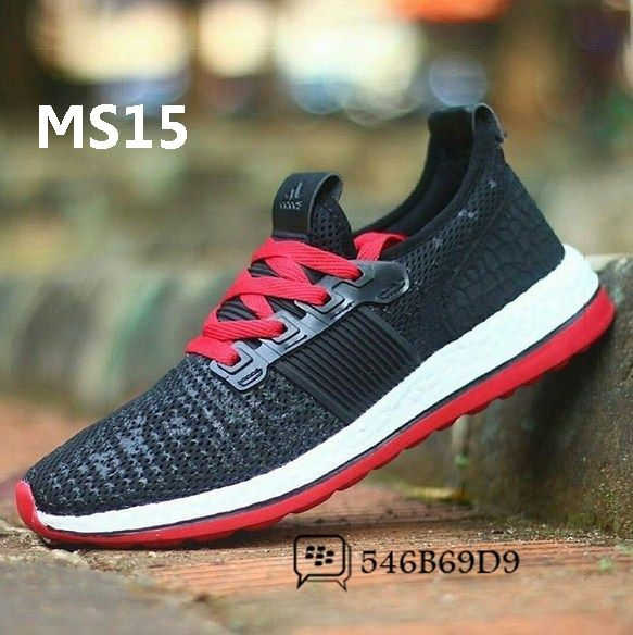 Yeezy 350v2 Only 29 On Sepatu Sepatu Kets Dan Olahraga
