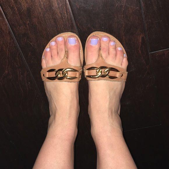 Steve Madden Sannibel chain sandal Perfect for summer! Offers welcomed  Steve Madden Shoes Sandals