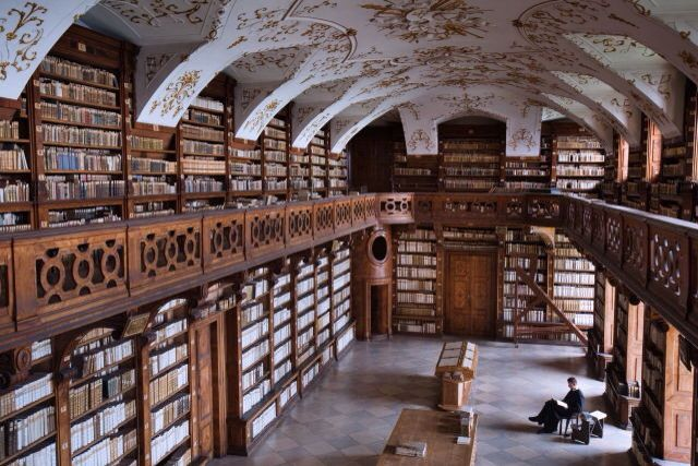 Bibliothek im Stift Göttweig (Österreich)