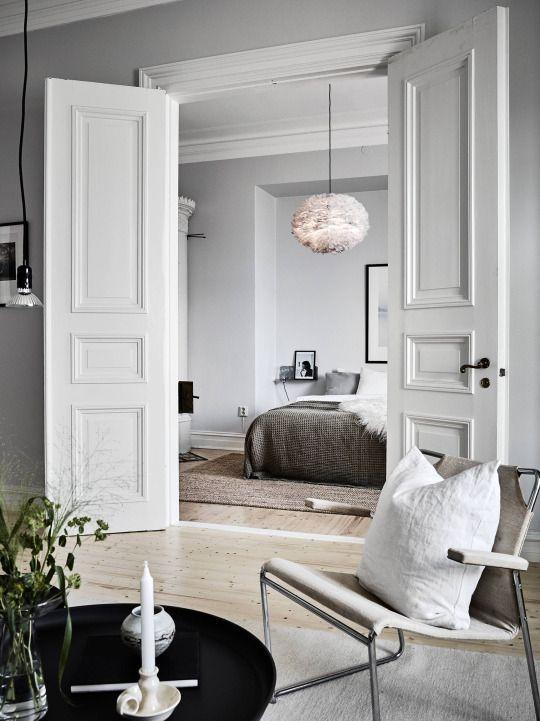 Awesome Luxus Hausrenovierung Wunderschon Weises Schlafzimmer Design Ideen #3: Eos Pendelleuchte Von Vita Copenhagen. Federkleid Für Hängelampe! Nicht Nur  Wunderschön Im Schlafzimmer Http