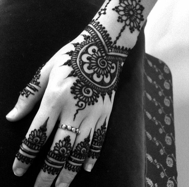 hand henna tattoo designs tumblr images galleries with a bite. Black Bedroom Furniture Sets. Home Design Ideas