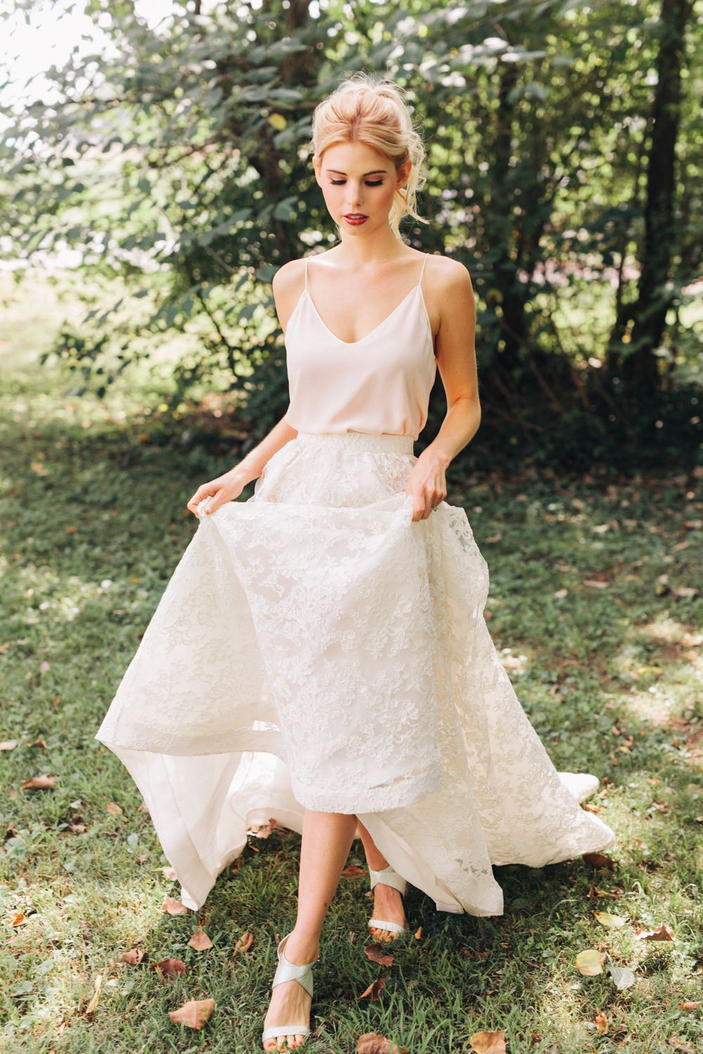 Casual etherial wedding dresses that we think buffy would look
