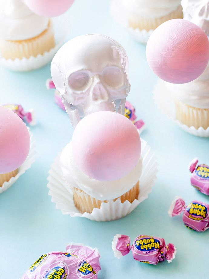 Bubblegum Skull Cupcake Toppers Skull cupcakes - how to decorate cupcakes for halloween
