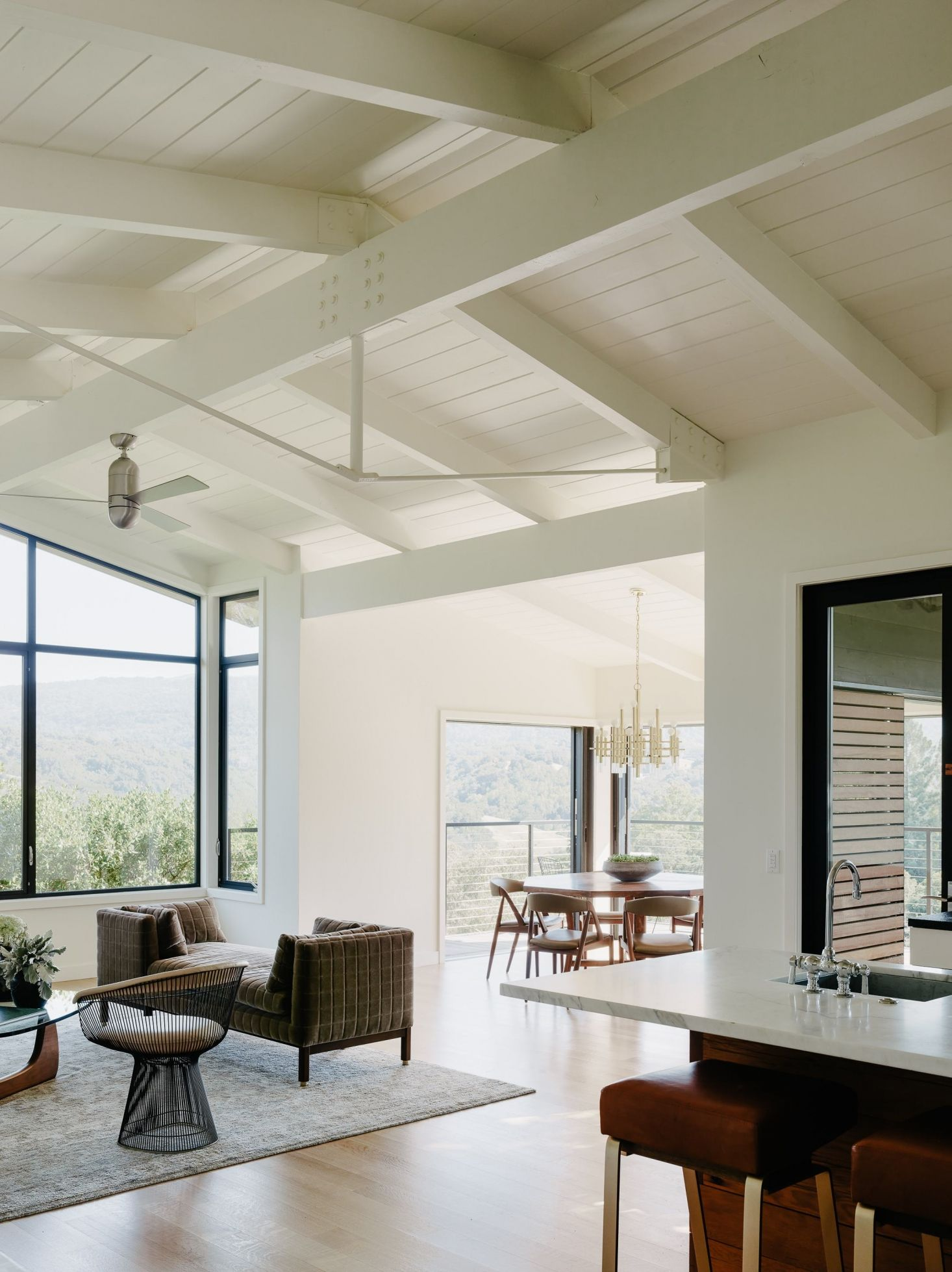 California Idyll: A Pitched-Roof Midcentury Revival with Dramatic ...