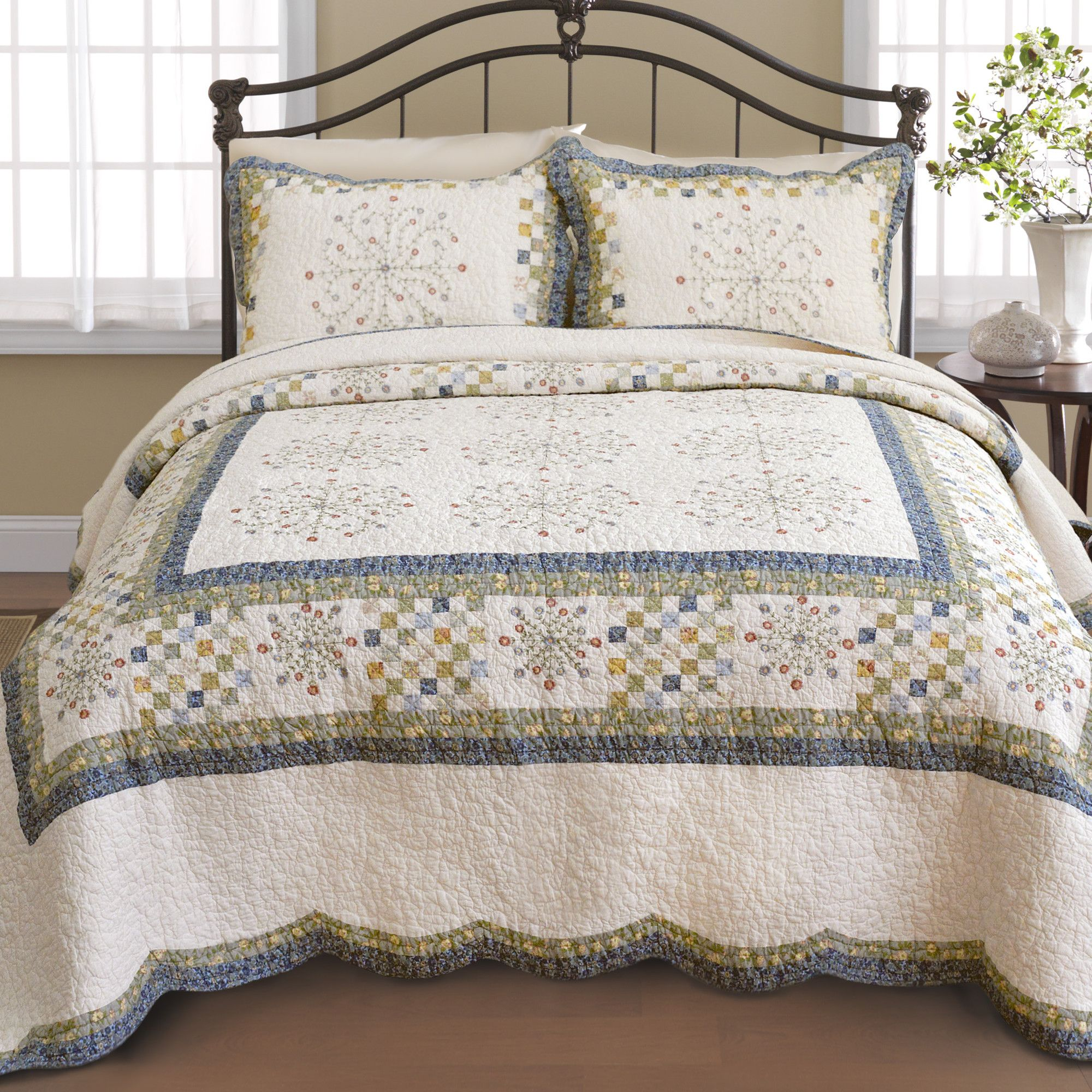 Nostalgia Home Emily Bedspread & Reviews - Wayfair
