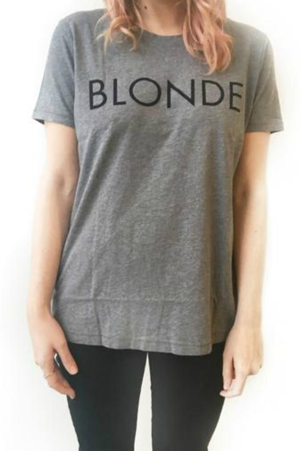 This boyfriend tee is your perfect go to! Comfy and cute what more could you ask for?  Blonde Tee by Brunette The Label. Clothing - Tops - Tees & Tanks Canada