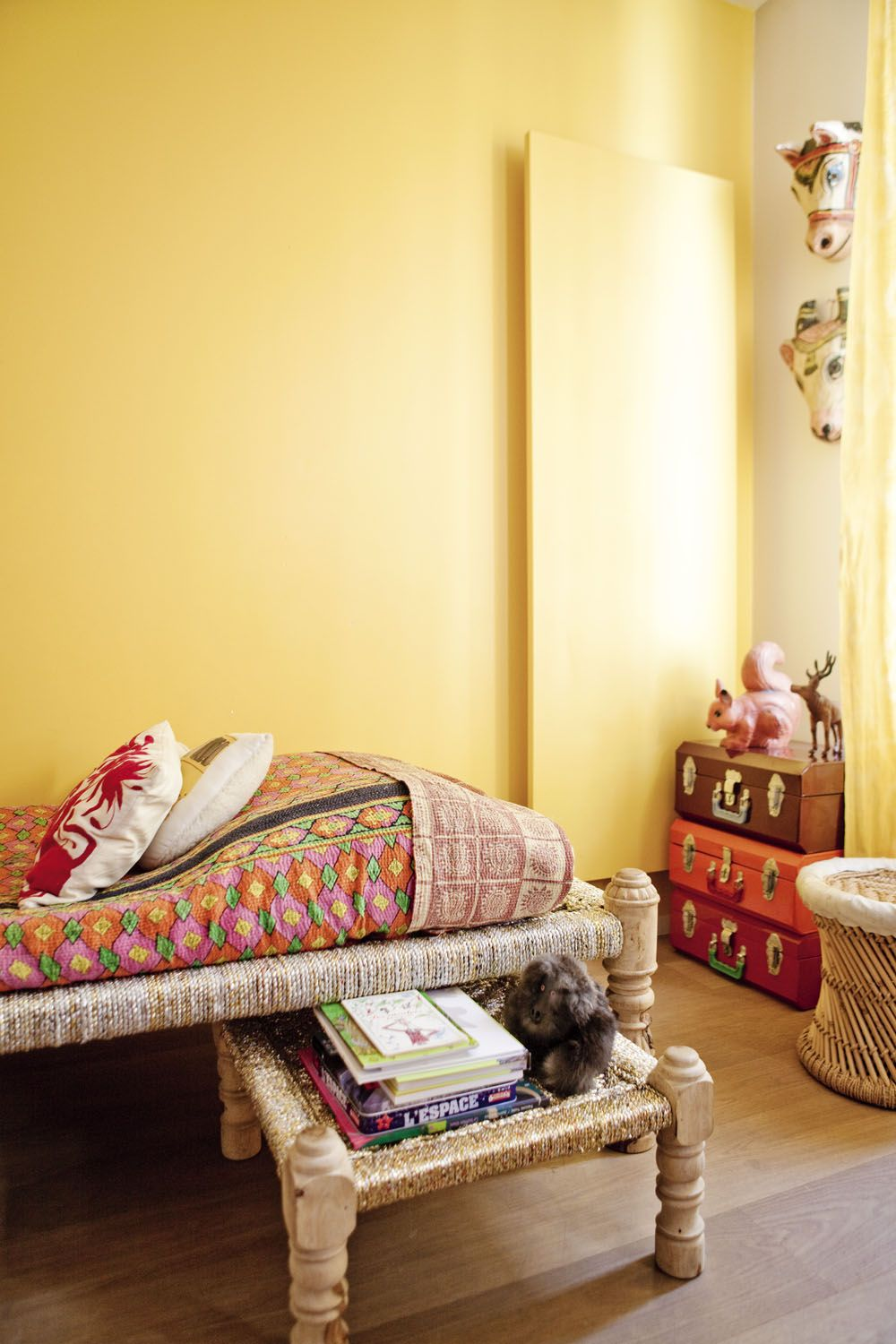Paris : french bollywood | Yellow wall decor, India and Interiors