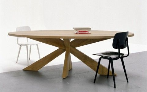 Longlegs ovale tafel eiken dining tables