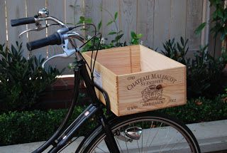 """The Bakfiets Cargobike: A Bakfiets """"Pick Up"""" for your Oma"""