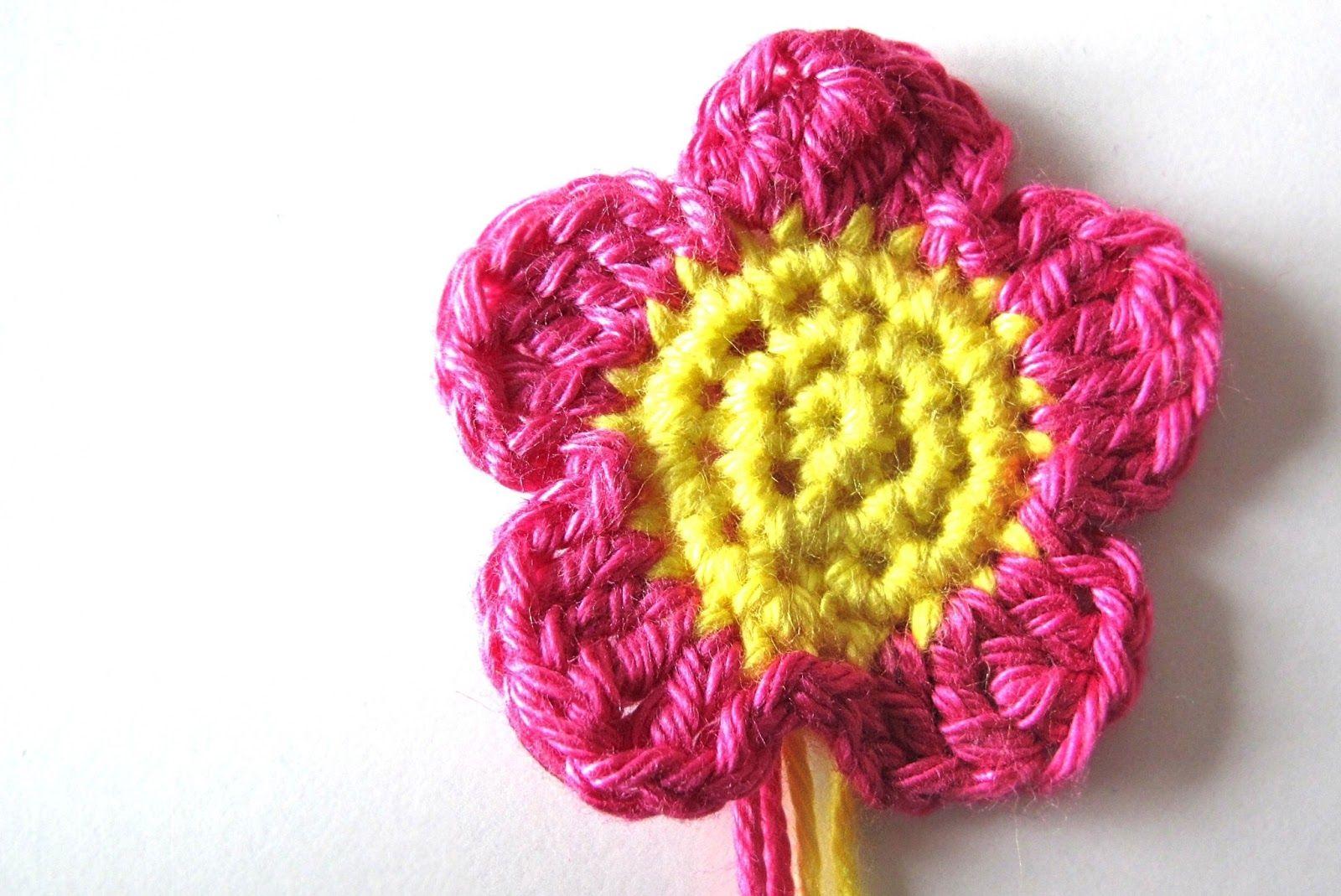 Moois van ' M(i)e': gehaakt bloemetje - tut
