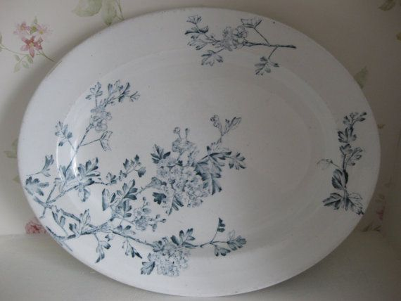 Vintage, rare and amazing George Jones & sons serving platter. G J & sons started their operation c. 1864 as George Jones, and in 1873