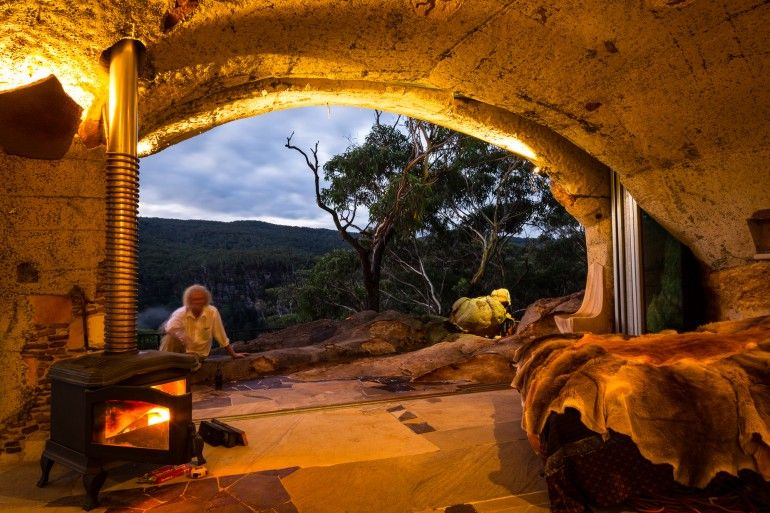"stylish-homes: "" Cave bedroom in Australia """
