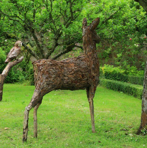 Wood Garden Or Yard Sculpture By Artist Tessa Hayward Titled: U0027Red Deer  (Doe Browsing/Feeding/Eating Sculpture/statue)u0027 | HK Hotel | Pinterest |  Red Deer, ...
