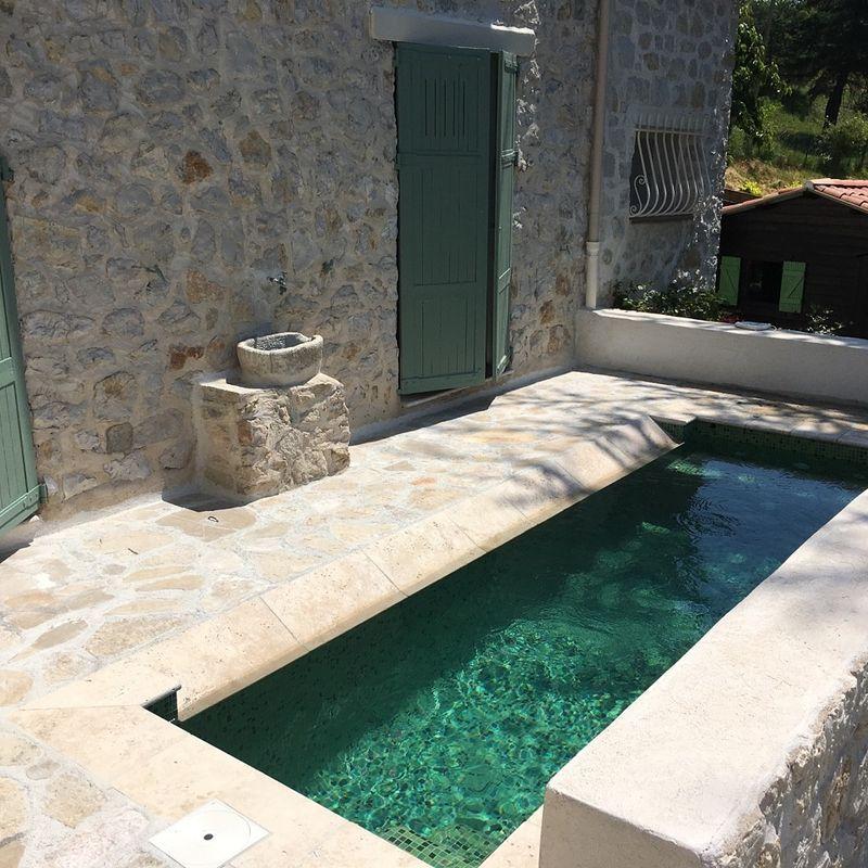 carrelage piscine vert nacré pâtes de verre référence VERDE Pools