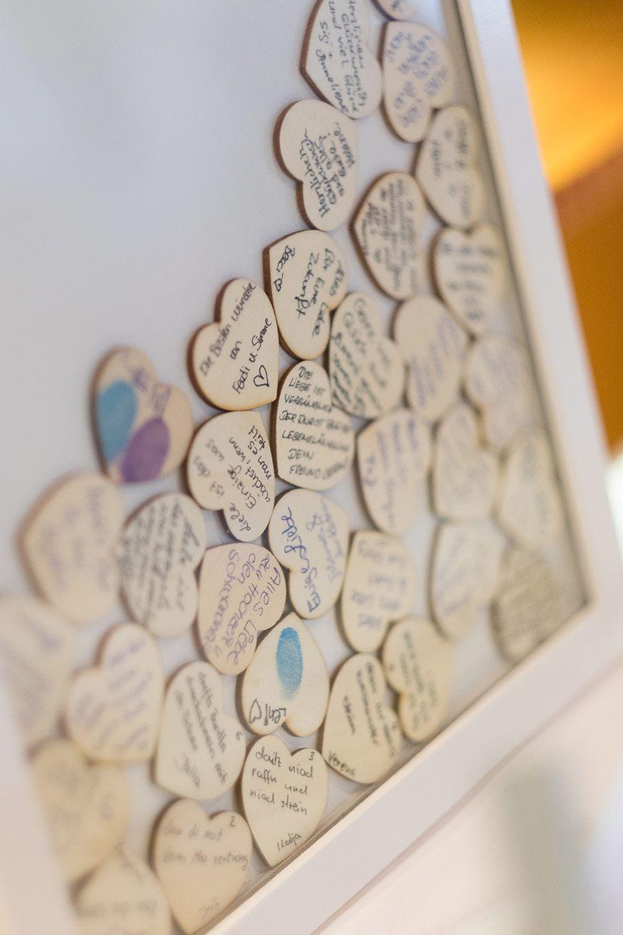 Herzen Aus Holz Im Bilderrahmen Als Alternative Zum Gastebuch Bei