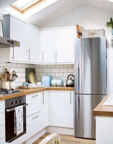 Grey Grouting White Gloss Cabinet Doors Solid Wooden Worktop